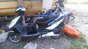 daymak e bike works well needs new battery price negotiable