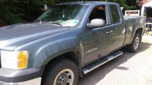 2007 GMC Sierra Pickup Truck