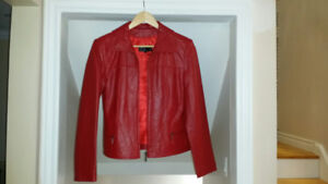 WORN ONLY ONCE ! Beautiful, ladies leather jacket