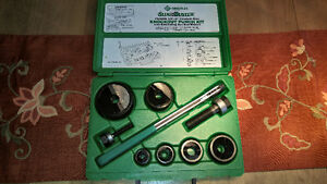 GREENLEE KNOCKOUT PUNCH KIT NEUFF