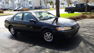 1999 Toyota Camry LE Berline