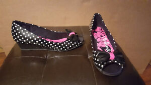 Disney Minnie Mouse Wedge Shoes - Size 2 - Like New Condition