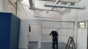 Building Material - California Room - Glass Partition / 8' x 8'
