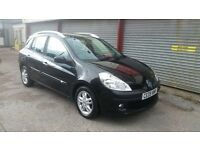 Renault clio estate 09 plate full service history very low mileage