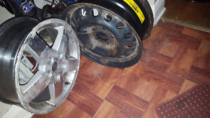Selling 4 tires with snow rims 205/55/16r London Ontario image 3