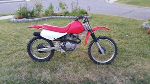 2001 Honda XR100R Dirtbike.
