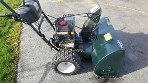 "14.50ft/lbs torque 30"" Snowblower, excellent condition"