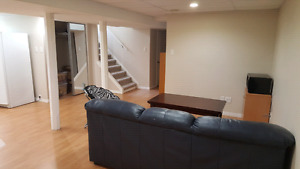Room NEAR UofS/Downtown/River/Fronts Park/Garage/may or june
