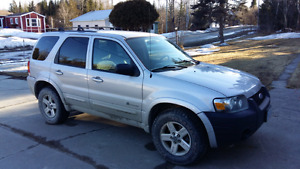 06 Ford Escape HYBRID 4X4 NEW PRICE NEED IT GONE MAKE AN OFFER