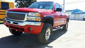 "*****2004 GMC Sierra 4x4 ** 8"" Lift Kit 35 & 37"" Rubber***"