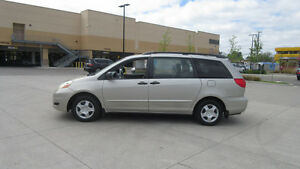2007 Toyota Sienna, Automatic, Low km, 3/Y warranty available.