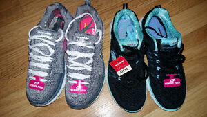 Size 6 Sketchers Runners