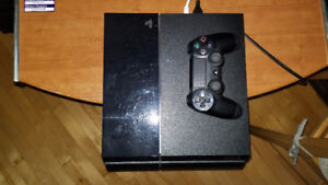 PLAY STATION 4 WITH 2 GAMES
