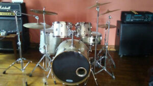 Gretsch Catalina birch five piece drum set