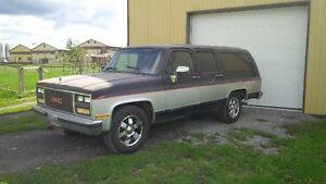 GMC suburban