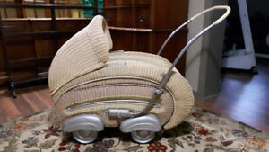 Hecker Antique Baby Buggy