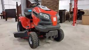 Lawnmowers, Trimmers, and more Power Equipment at Auction Kitchener / Waterloo Kitchener Area image 6