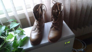 Steel-toed boots for sale