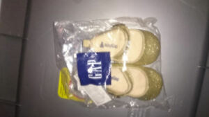 Brand new 0-3 MTH gold shoes