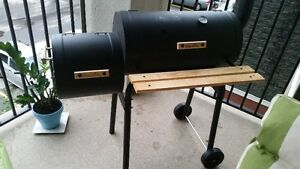 FURNITURE ,BBQ CHAR- BROIL AMERICAN GOURMET SMOKER AND GRILL