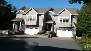 2 level townhouse in Bedford's Nottingham Subdivision