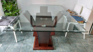 DINING TABLE - Glass Top