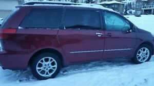Awesome AWD! :0  2004 Toyota Sienna XLE Limited Minivan, Van