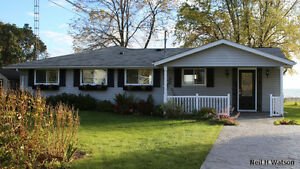 Stunning waterfront vacation house cottage for rent  Brighton ON