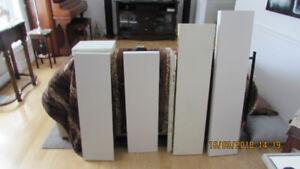 5 étagères Murale Blanc dimensions variés