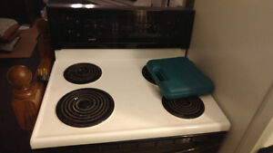 Kenmore Electric Stove White (+Fridge, Washer/Dryer, Dishwasher)