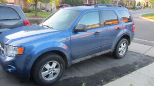 2010 Ford Escape XLT v6 Minivan, Van