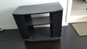 TV TABLE MINT CONDITION $20 TV TABLE STAND