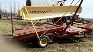 NH 1000 Bale wagon