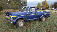1977 F100 Short box  302 4 speed  2wd Includes Crown Victoria