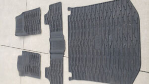 Jeep Grand Cherokee Moulded JEEP floor mats