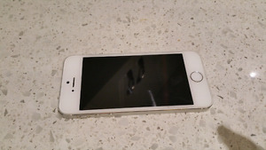 Used iPhone 5s - silver 32G