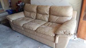Couch Kitchener / Waterloo Kitchener Area image 2