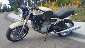 2007 DUCATI GT CLASSIC RARE CREAM/BLACK COLOR...LIKE NEW LOW KM