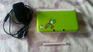 SELLING, Nintendo 3DS XL Yoshi Limited Edition
