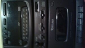Venturer Stereo CD and tape player with speakers