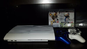 PS3, 2 controllers, 2 games