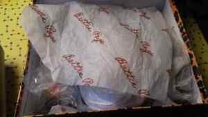 Betti Page Tiki Wedge Sandal Size 8 BRAND NEW in box London Ontario image 3