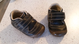 Infant Stride rite brown shoes