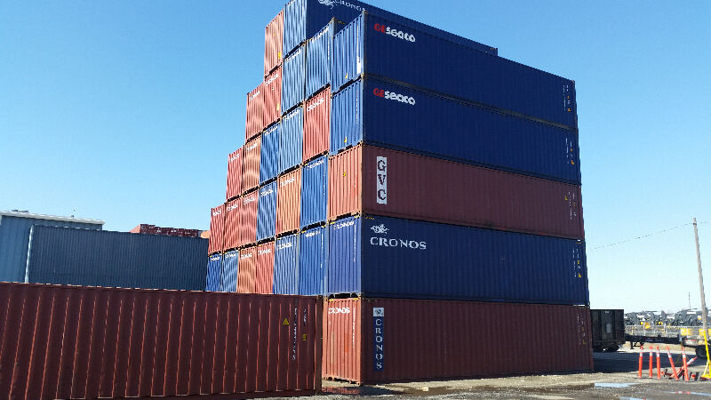 40 And 20 Shipping And Storage Containers Sea Cans On