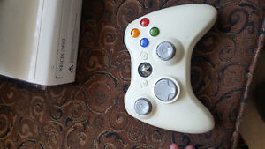 Xbox 360 with Headset and kinect and controllers Oakville / Halton Region Toronto (GTA) image 3