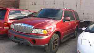 WE ARE PARTING OUT A 1998 LINCOLN NAVIGATOR  Windsor Region Ontario image 1