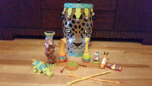 TOYS-Musical Instrument Set, Farm House/Animals, Critter Clinic