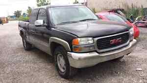 WE ARE PARTING OUT A 2000 GMC SIERRA Z71 Windsor Region Ontario image 2