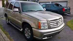 CADILLAC ESCALADE AWD SUV