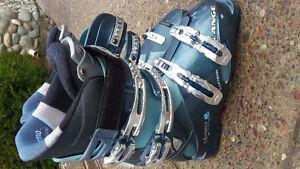 Women ski boots